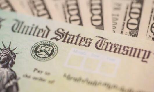 刺激检查与失业和税收季节之间的联系