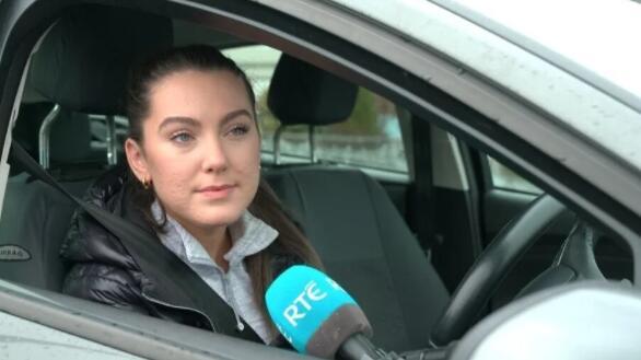在目前的封锁状态下超过6万人在等待驾照考试