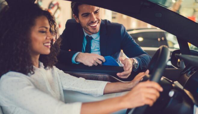这个二手车销售商可以推动下一个电子商务繁荣