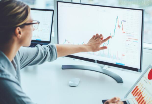 这家数据分析公司的股价因竞争对手的消息而下跌
