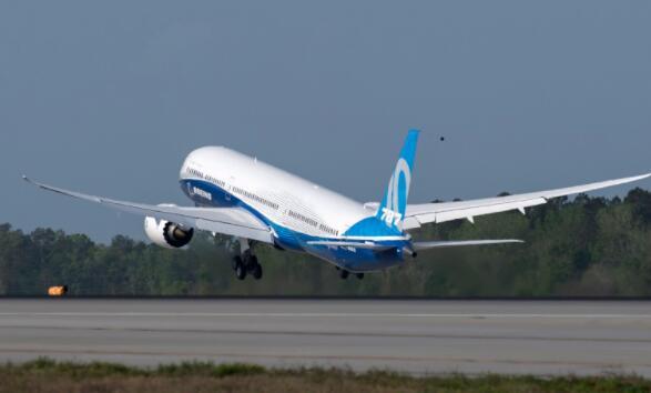 尽管有737MAX大订单 波音公司的斗争仍在继续