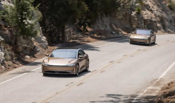 Lucid依靠其技术来挑战电动汽车之王