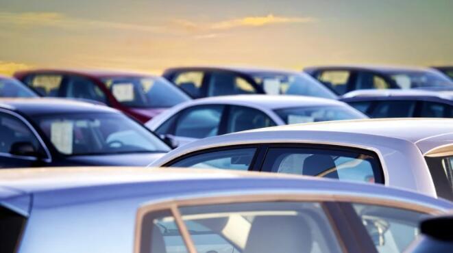 根据DoneDeal数据显示当前局势和英国退欧导致二手车价格飙升50%