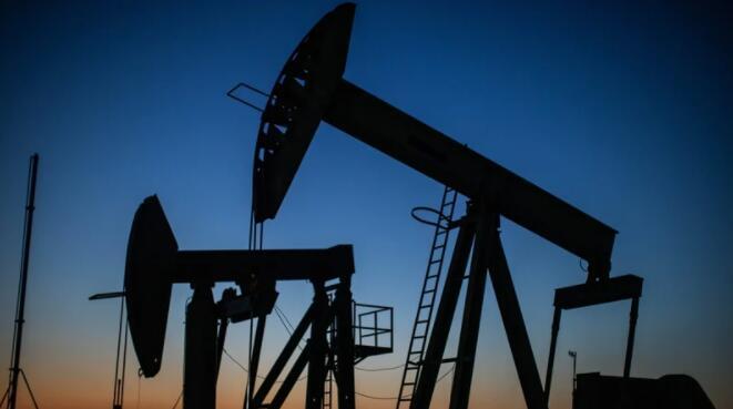 油价下跌因担心经济增长放缓打击需求